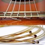 Senar Untuk Gitar Akustik