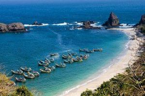 Pantai Papuma jember
