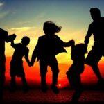 Tips Menciptakan Keluarga Harmonis Melalui Kebersamaan