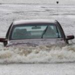 Mobil Mogok Saat Banjir, Coba Lakukan Ini!
