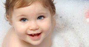 Tips Memilih Sabun Bayi yang Tepat untuk Pemilik Kulit Cenderung Sensitif