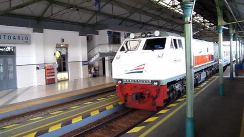 Kereta Jurusan Surabaya Jakarta
