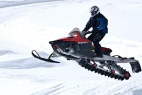 olahraga snowmobiling