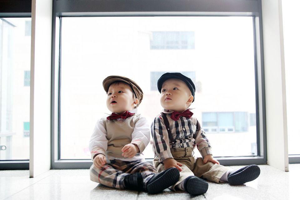 Rekomendasi Nama Bayi Laki-Laki Kembar