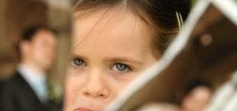Mengatasi Dampak Psikologis Anak Akibat Sering Ditinggal