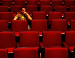 nonton sendiri di bioskop