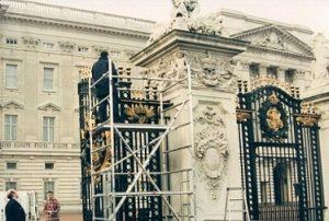 Istana Buckingham Palace Direnovasi
