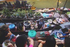 pasar apung di Thailand
