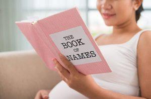 Memilih Nama Bayi